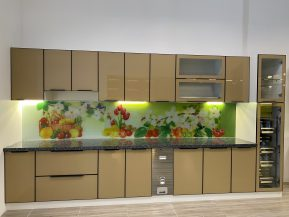 Tủ bếp cánh kính treo tường