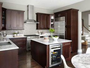 Tủ bếp tân cổ điển kết hợp bàn đảo bếp